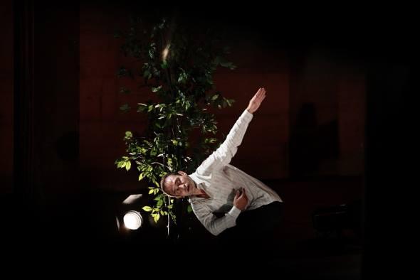 Giulio De Leo / Compagnia Menhir Danza (IT)  SOLITARIO Altofest