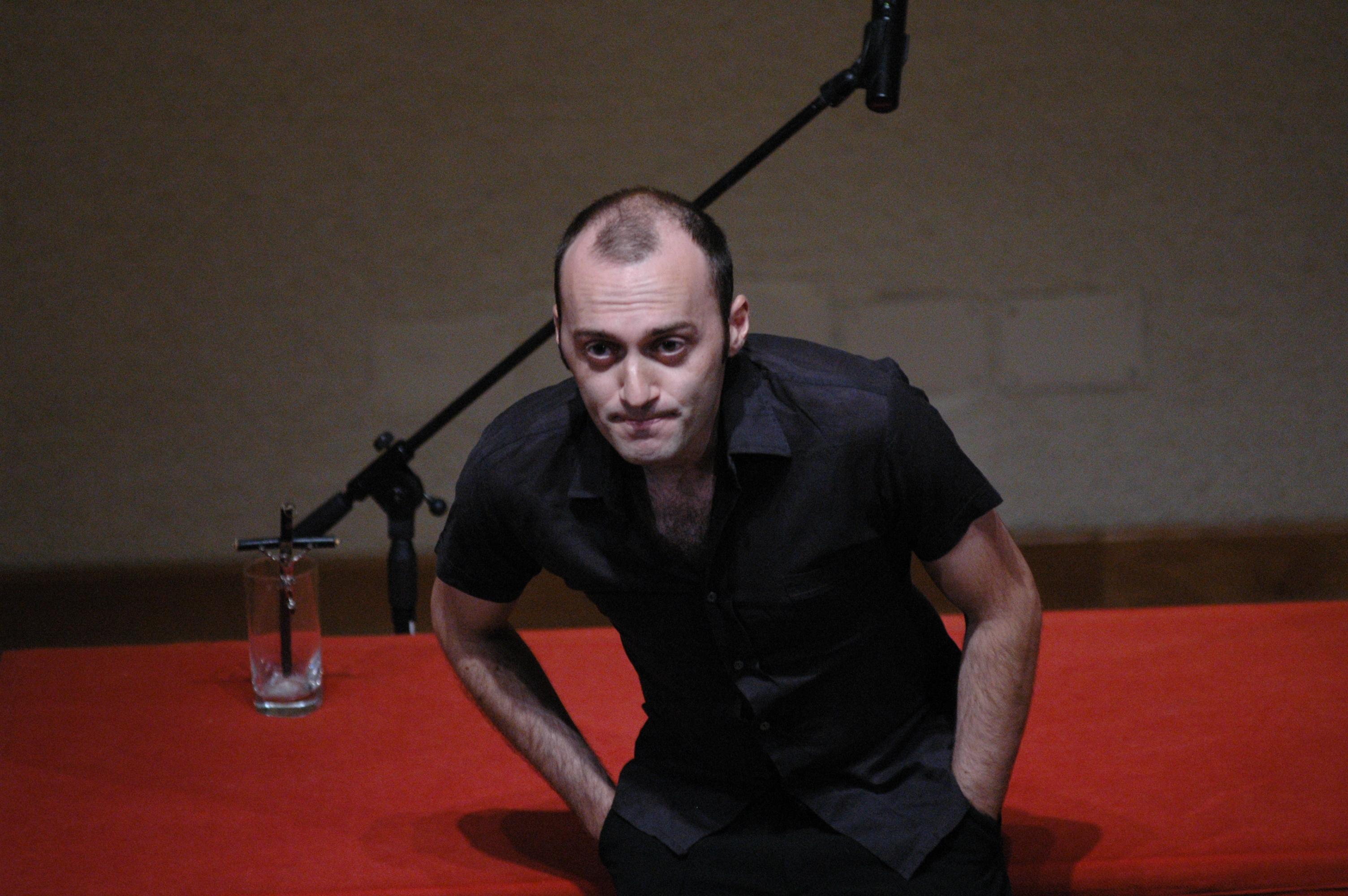 Roberto Corradino (IT/Bari)  Conferenza/Nudo e in semplice anarchia Altofest